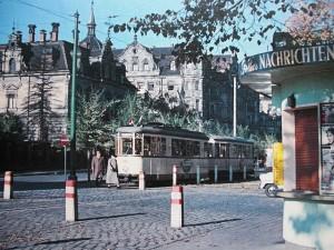 Straba mit Villa Engelhardt (Foto: Stadtarchiv Fürth)