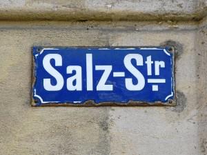 altes Straßenschild (Foto: Ralph Stenzel)