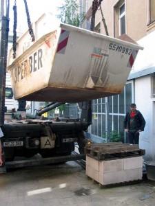 Der Container kommt (Foto: Axel Voss)
