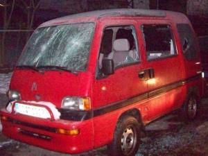Von Rechtsextremisten in Fürth im Jahr 2009 zerstörter Kleinbus (Foto: indymedia)