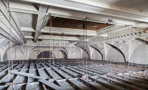 Sanierungsfähige Pracht: Die Decke des Festsaals im Dezember 2012 (Foto: J. Danko)