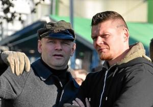 Der bekannte Neonazi Thomas Wulff mit dem FNS- Führungskader Matthias Fischer (Foto: Timo Müller)