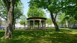 Die Konrad-Adenauer-Anlage von 1827 wurde als »Englische Anlage« errichtet und steht unbegreiflicherweise nicht unter Denkmalschutz (Foto: Christofer Hornstein)