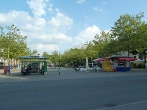 Das jetzige Areal des Paradiesbrunnens bietet viele Vorteile als Standort einer halboffenen Markthalle nach französischem Vorbild und gefährdet kein innerstädtisches Grün (Foto: Christofer Hornstein)