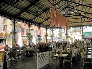 Diese ehemalige Markthalle in Frankreich kommt den Dimensionen die an der Kleinen Freiheit angemessen wären, nahe, wobei die Architektur deutlich zeitloser ausfallen könnte (Foto: privat)