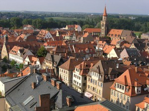 Blick vom Rathausturm auf die Dächer der Altstadt (Foto: Wikipedia, Lizenz CC-BY-SA-2.0-DE)