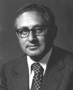 "Kissinger 1973 (Foto & Lizenz: <a href=""https://commons.wikimedia.org/wiki/File:Henry_A._Kissinger,_U.S._Secretary_of_State,_1973-1977.jpg"">Wikimedia Commons, gemeinfrei</a>)"