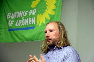 Toni Hofreiter beim Vortrag in der Fürther Freibank (Foto: Kamran Salimi)