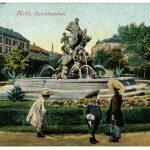 Bahnhofsplatz mit Centaurenbrunnen (historische Postkarte)
